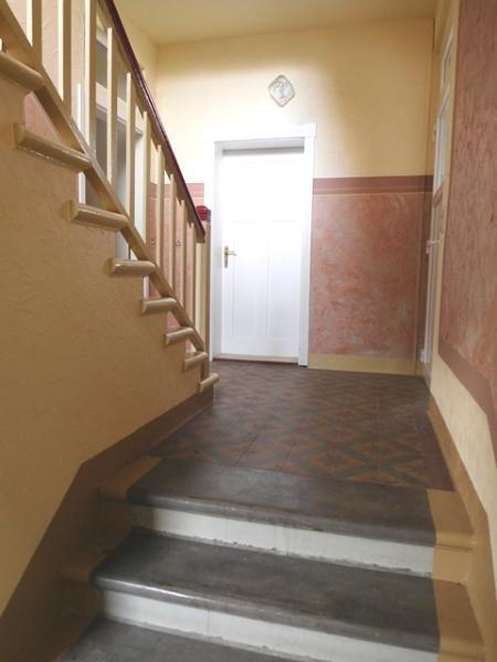 ...und direkt ins Treppenhaus...