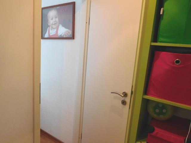 ...und hinter dieser Tür (Diskretion) ist das Schlafzimmer...