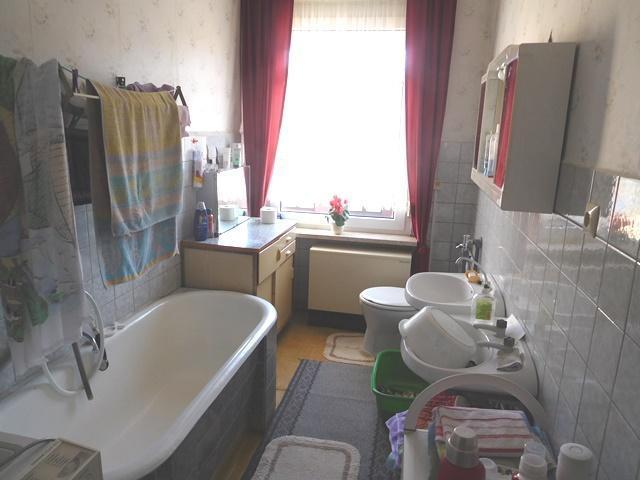...hier gibt es ein Bad...