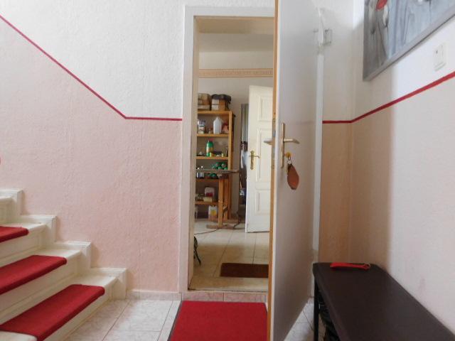 ...Zugang Torhaus für Ladengeschäft und Wohnen...