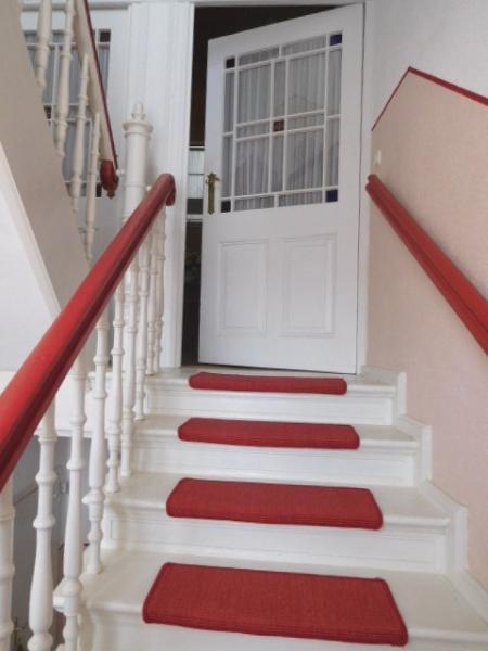 ...Beginn Wohnbereich mit Treppe zum OG...