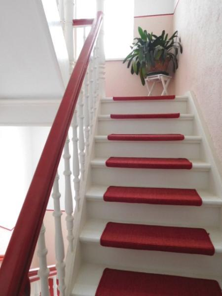 ...über die nächste gepflegte Treppe...