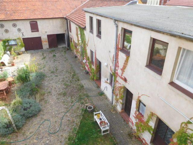 ...ein Orientierungsblick auf den Innenhof...