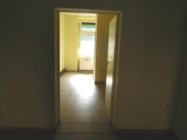 ...ein dahinterliegende Nebenraum...