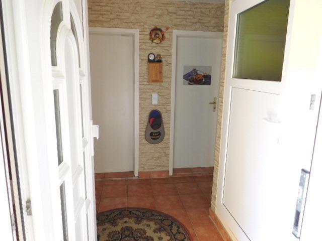 ...in den Hausflur, Tür rechts zum 2. OG...