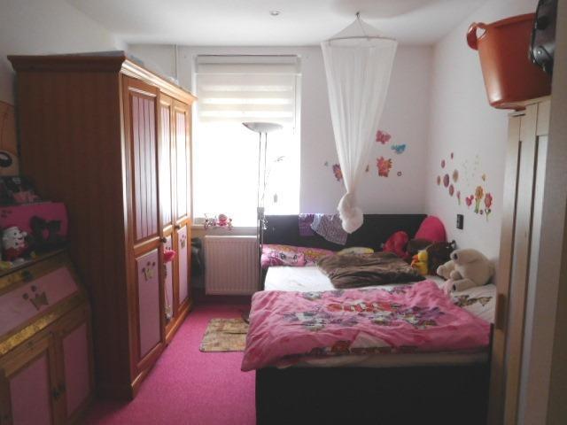 ...ein kleineres Zimmer...