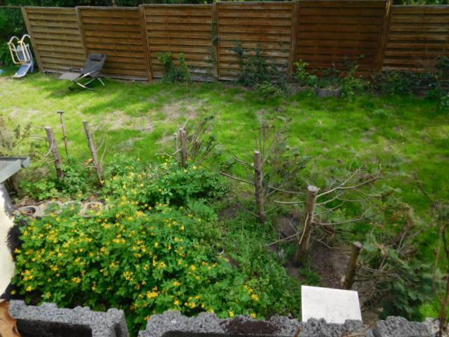 ...in ihren separater Garten hat...