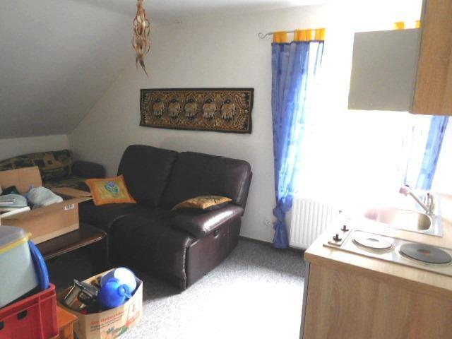 ...zweiter Raum mit Küchenzeile...