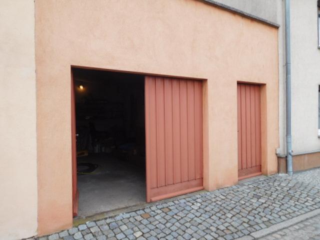 ...Tür und Tor direkt von der Straße...